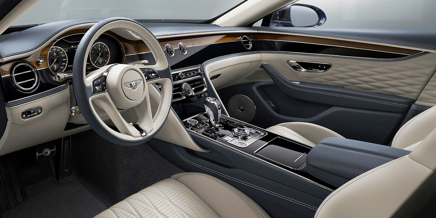 bentley-new-flying-spur-front-cabin-showing-new-diamond-quilted-door-leather